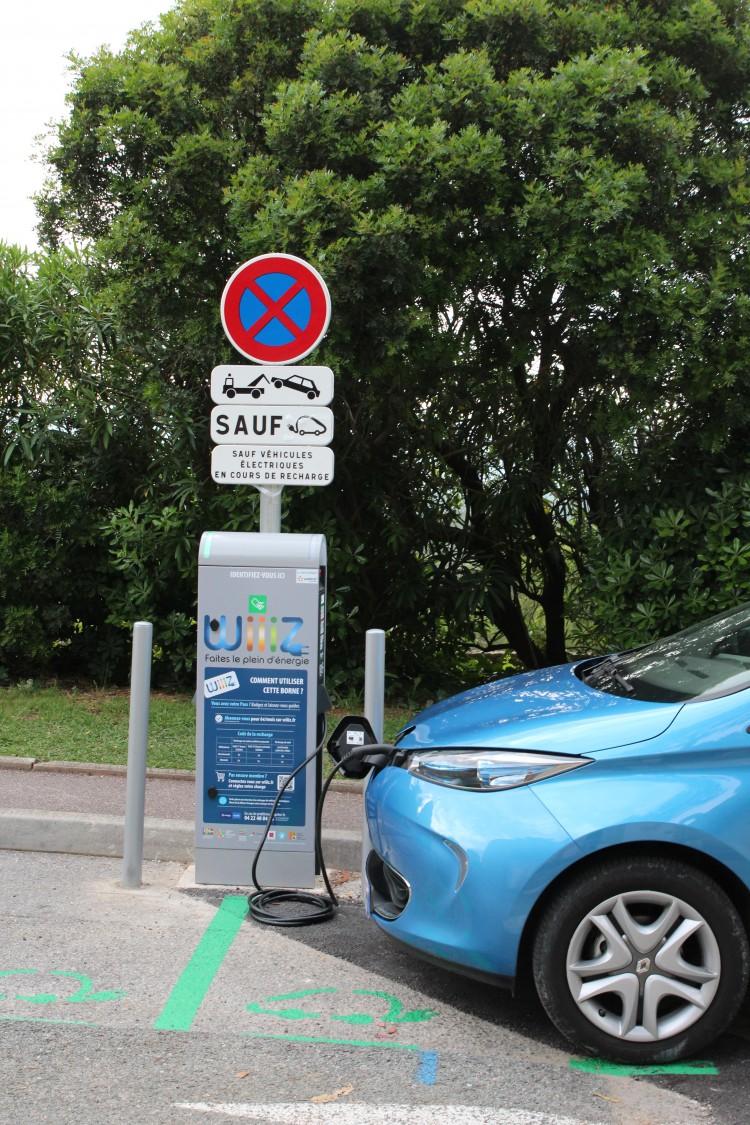 image-Bornes de recharge pour véhicules électriques-1
