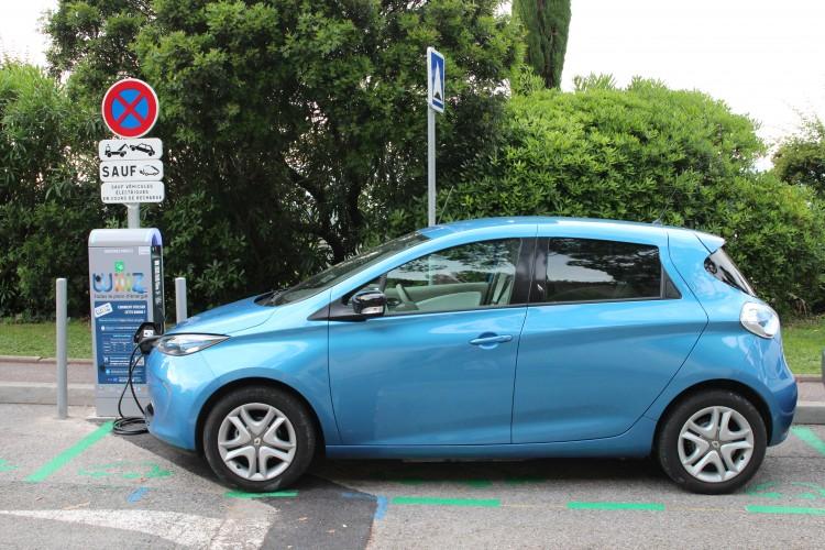 image-Bornes de recharge pour véhicules électriques-2